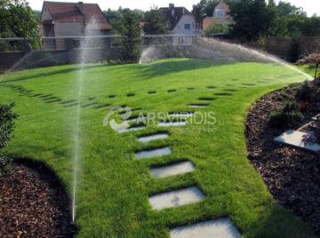 Závlaha trávníku výsuvnými postřikovači MP Rotator, Hunter. Třebíč Telč Jihlava
